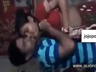 Bengali girlfriend fuck by lover in a room with bangla audio