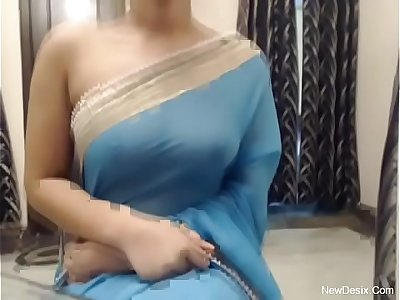 sexy desi couple on cam,boob squeezed mouth fuckd